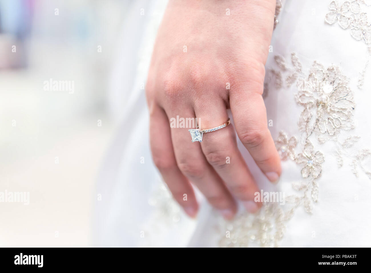 Diamond Ring On Finger Stock Photos & Diamond Ring On Finger Stock ...