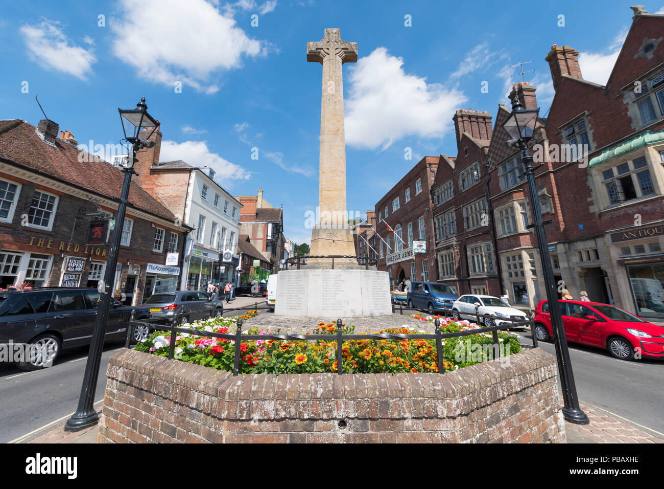 WWI and WWII war memorial in Summer in the High Street in Arundel, West Sussex, England, UK. - Stock Image
