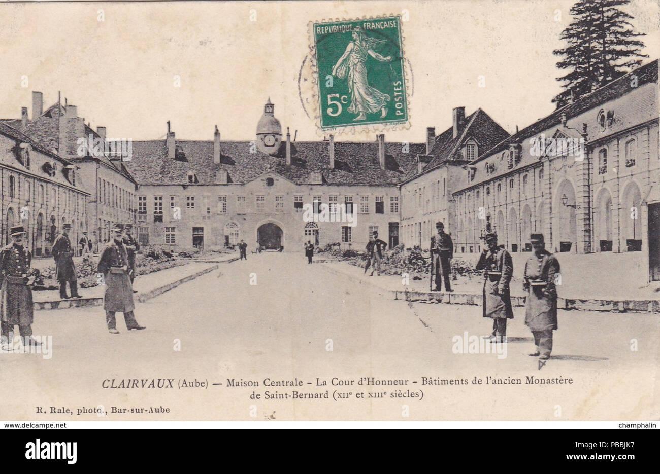 La Maison Du Bois Clairvaux maison centrale stock photos & maison centrale stock images