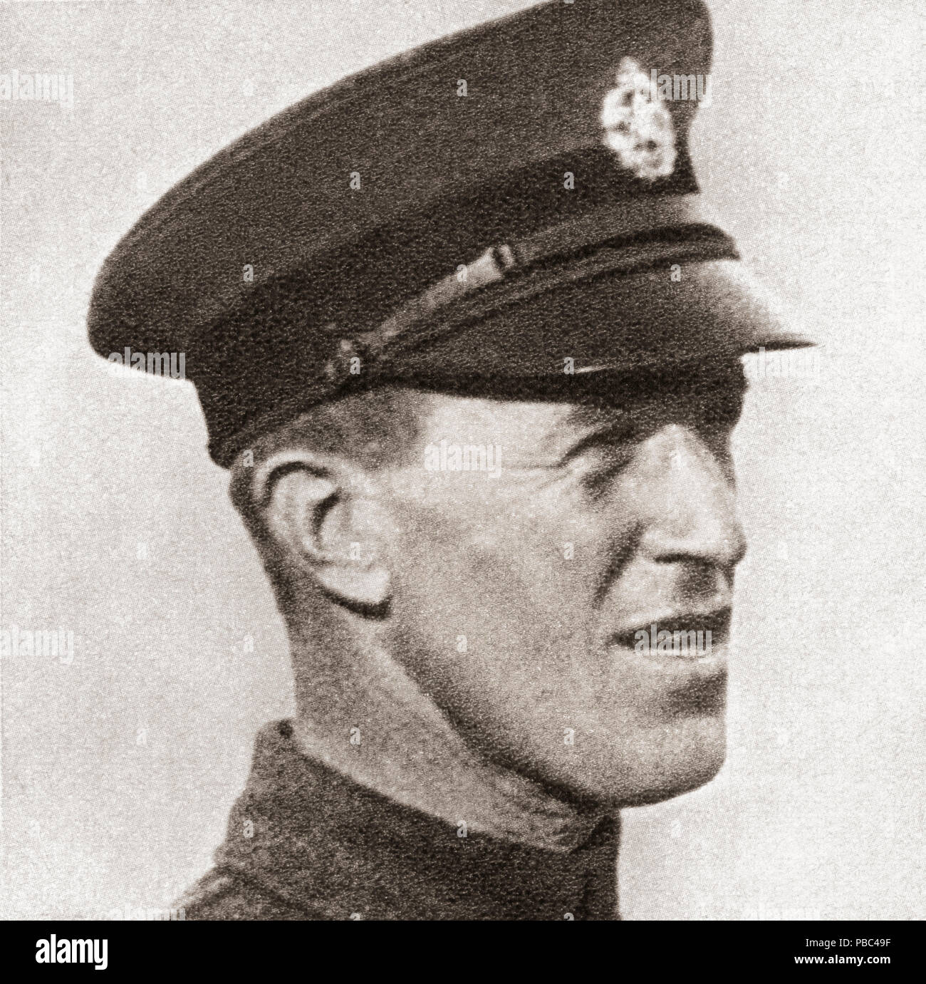 Colonel Thomas Edward Lawrence, CB, DSO, 1888 – 1935.  British archaeologist, military officer, diplomat, and writer.  Seen here whilst a mechanic in the Royal Air Force under the name of Aircraftsman Shaw.  After a photograph taken by Harry Chase, b. 1883. From These Tremendous Years, published 1938. - Stock Image
