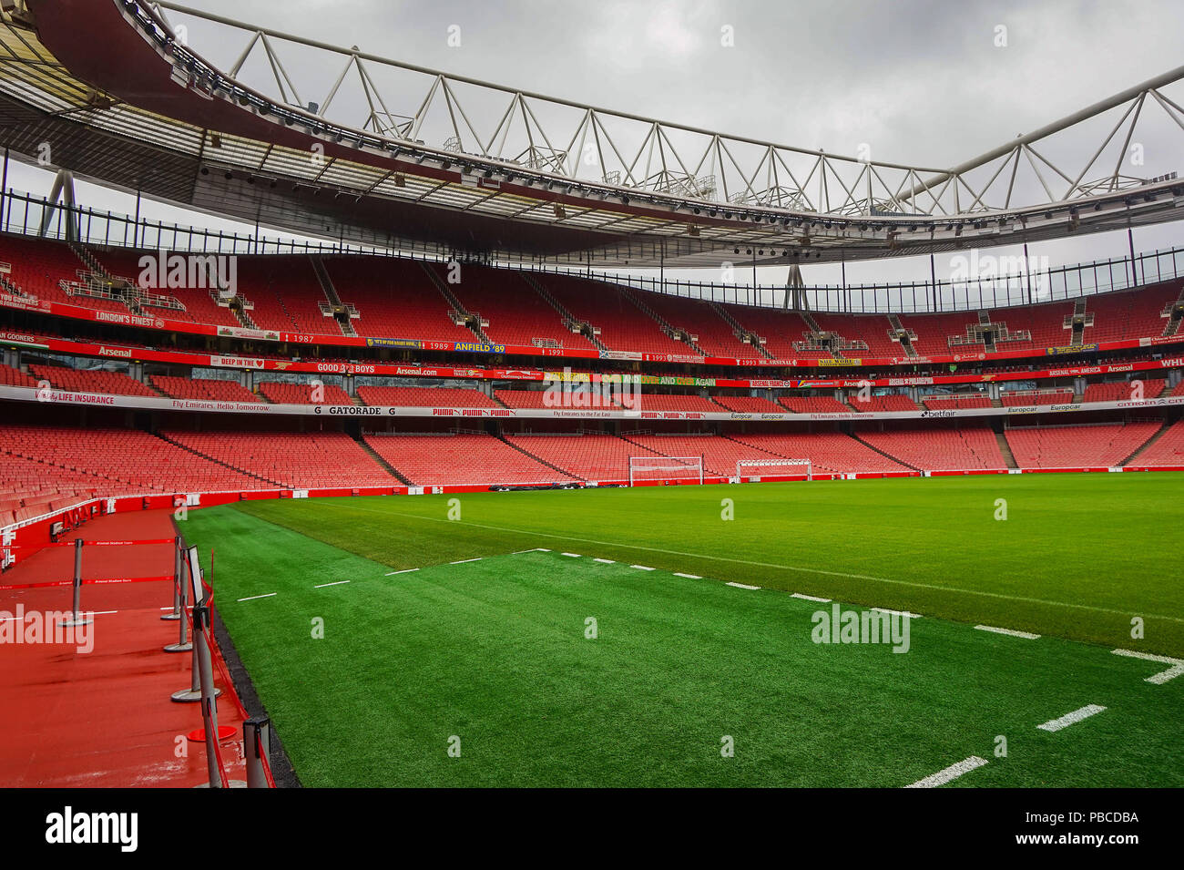 Arsenal Emirates Stadium With A Capacity Of Over 60 000 It Is The