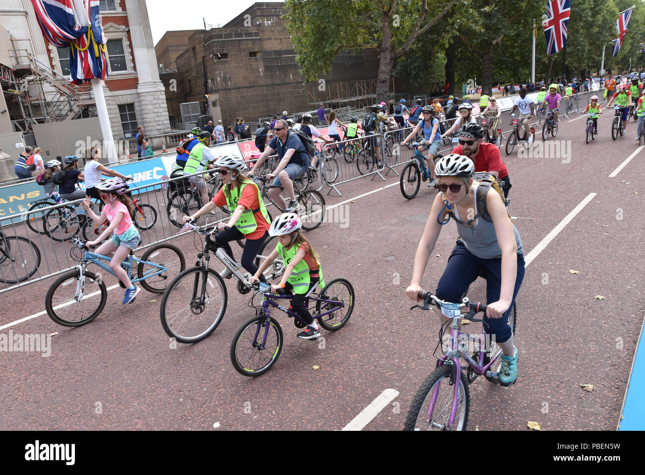London, UK.  28th July 2018. Cyclists on the  2018 Prudential RideLondon FreeCycle. Credit: Matthew Chattle/Alamy Live News Stock Photo