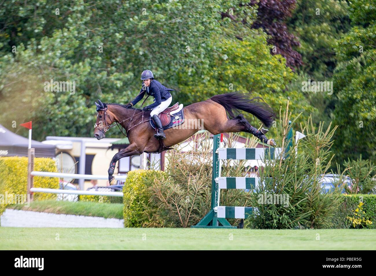 Sussex, UK. 28th July 2018. Winner. Laura Kraut riding Nouvelle. USA. The Bunn Lesiure Salver. Jump off. Showjumping. Longines FEI Jumping Nations Cup of Great Britain at the BHS Royal International Horse Show. All England Jumping Course. Hickstead. Great Britain. 28/07/2018. Credit: Sport In Pictures/Alamy Live News - Stock Image