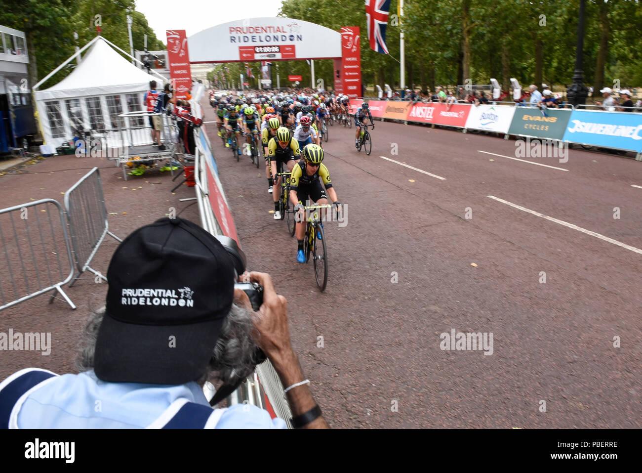 London, UK.  28 July 2018. Elite women riders take part in the Prudential RideLondon Classique riding 12 laps round a 5.4km circuit in central London, won by Kirsten Wild of Team Wiggle High5.  Ranked as one of the top women's UCI WorldTour events, prize money for the race is the highest ever for a women's one day race and features 9 of the top 10 teams from the Women's World Tour. (Editorial use only)  Credit: Stephen Chung / Alamy Live News Stock Photo