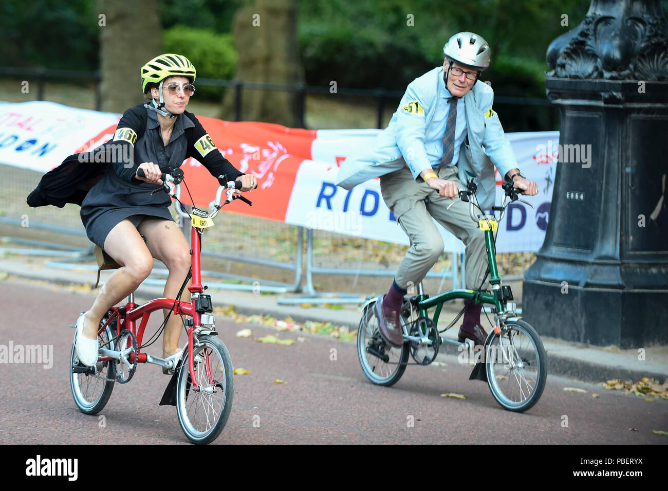 London, UK.  28 July 2018.  People take part in the 13th Brompton World Championship Final, part of Prudential RideLondon, riding a 1.3km circuit around St James's Park. (Editorial use only) Credit: Stephen Chung / Alamy Live News Stock Photo