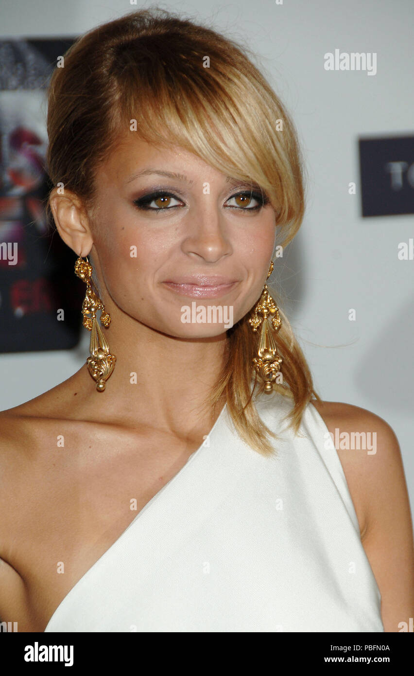 Nicole Richie arriving at the Race To Erase MS at the Century Plaza Hotel Los Angeles. May 12, 2006.03_RichieNicole160 Red Carpet Event, Vertical, USA, Film Industry, Celebrities,  Photography, Bestof, Arts Culture and Entertainment, Topix Celebrities fashion /  Vertical, Best of, Event in Hollywood Life - California,  Red Carpet and backstage, USA, Film Industry, Celebrities,  movie celebrities, TV celebrities, Music celebrities, Photography, Bestof, Arts Culture and Entertainment,  Topix, headshot, vertical, one person,, from the year , 2006, inquiry tsuni@Gamma-USA.com - Stock Image