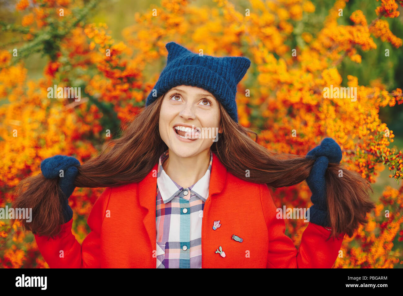 b4c3a17dfa8 Orange Beanie Hat Stock Photos   Orange Beanie Hat Stock Images - Alamy
