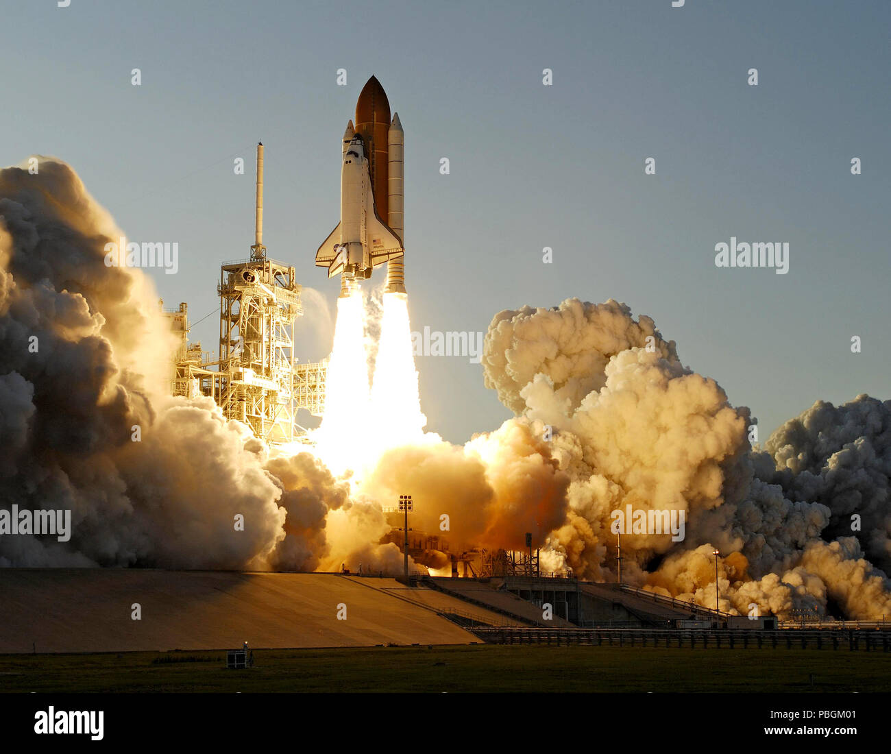 Space Shuttle Atlantis' STS-117 mission launches from the Kennedy Space Center. - Stock Image