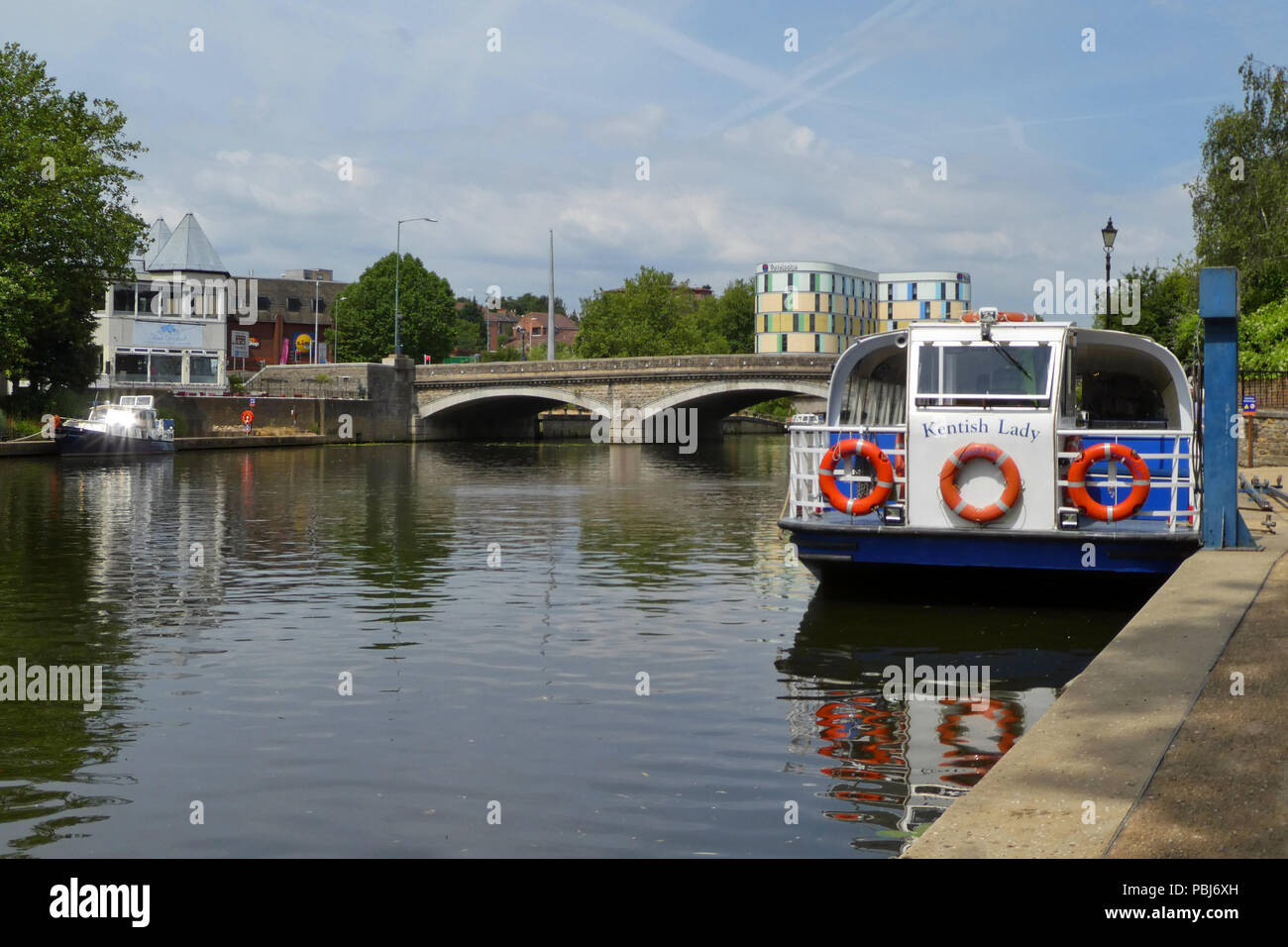 River cruiser 'Kentish Lady' waiting to take on passengers for boat trip, river Medway, Maidstone, Kent, England - Stock Image