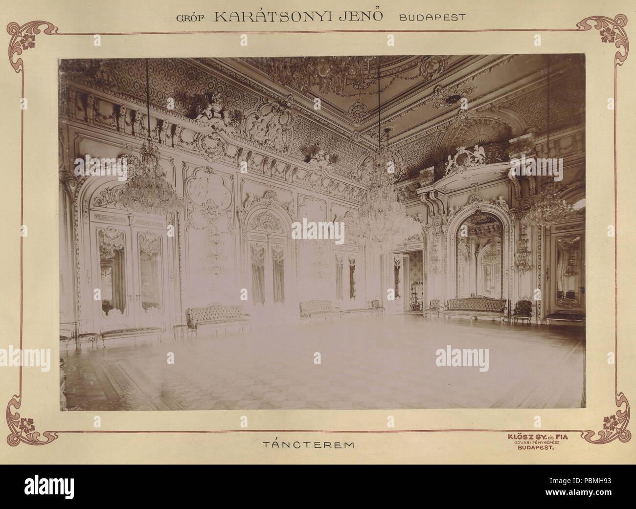 868 Krisztina körút 55., a Karátsonyi-palota (lebontották) táncterme. A felvétel 1895-1899 között készült. A kép Fortepan - Budapest Főváros Levéltára. Levéltári jelzet- HU.BFL.XV.19.d.1.11.076 Fortepan 83168 - Stock Image