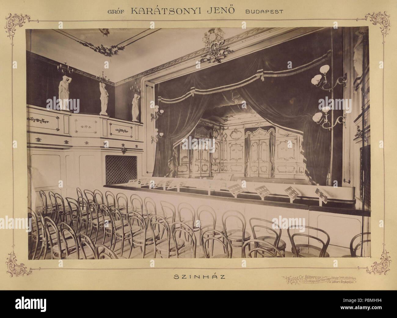868 Krisztina körút 55., a Karátsonyi-palota (lebontották) színházterme. A felvétel 1895-1899 között készült. A kép Fortepan - Budapest Főváros Levéltára. Levéltári jelzet- HU.BFL.XV.19.d.1.11.078 Fortepan 83170 - Stock Image