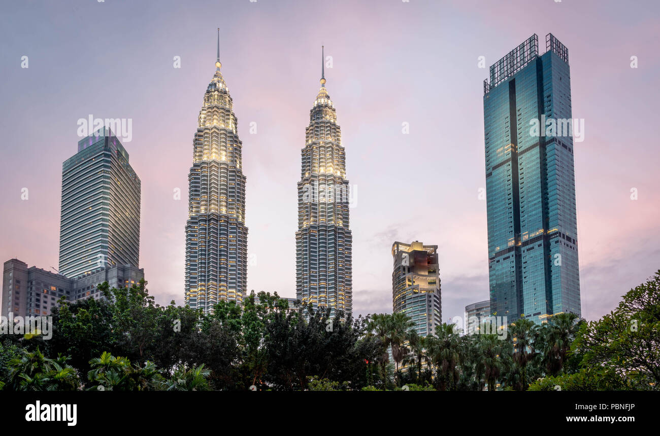 Petronas Towers in downtown Kuala Lumpur - Stock Image