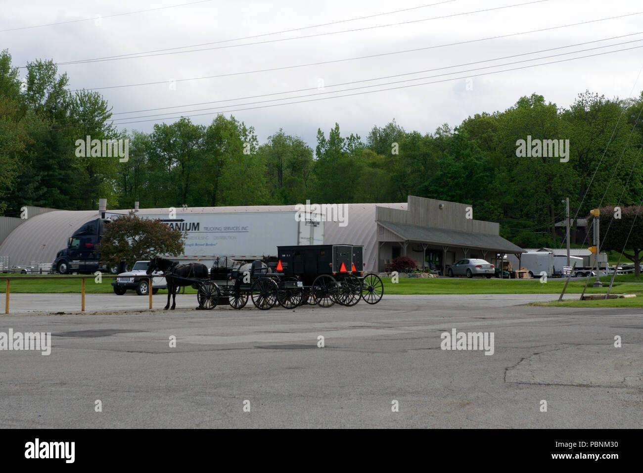 Lancaster County Pennsylvania Amish Buggies Stock Photos & Lancaster