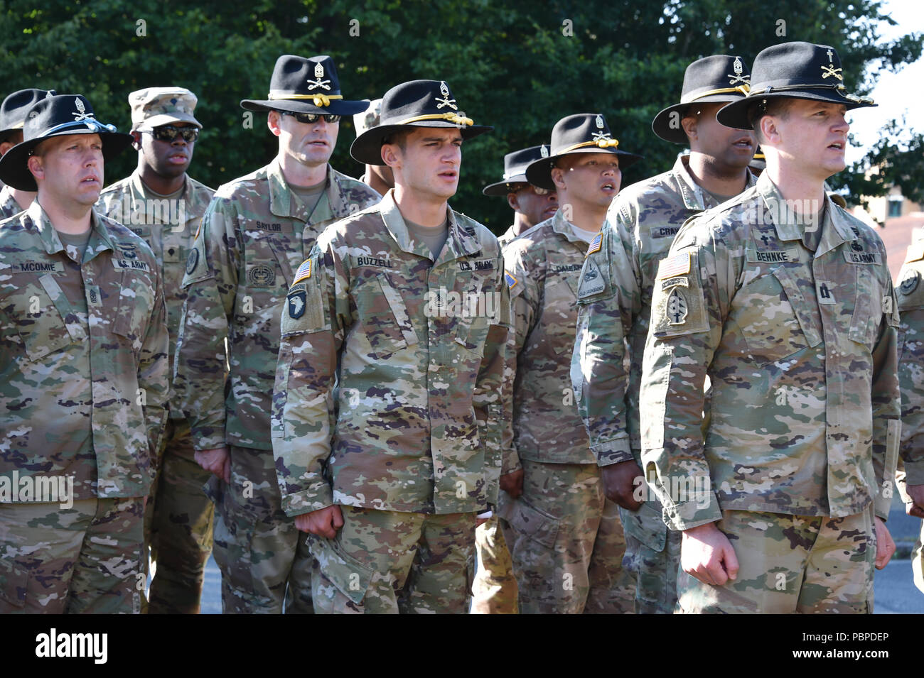 U S  Soldiers with 2d Cavalry Regiment (2CR) sing the army song