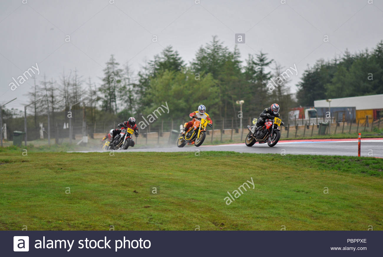 Dunfermline, UK. 29 July, 2018.  (50) Shane Godden leads (7) Colvin Denholm through the Chicane in a CB500's race at Knockhill circuit. During the Scottish and KMSC Championships at Knockhill. Roger Gaisford/Alamy Live News. - Stock Image