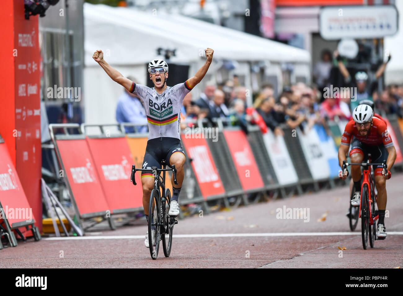 London, UK, 29 July 2018. Pascal Ackermann of Bora - Hansgrohe / Germany National Champion wins the Prudential RideLondon Surrey Classic 2018 on Sunday, July 29, 2018, LONDON ENGLAND: Photo : Taka G Wu Credit: Taka Wu/Alamy Live News - Stock Image