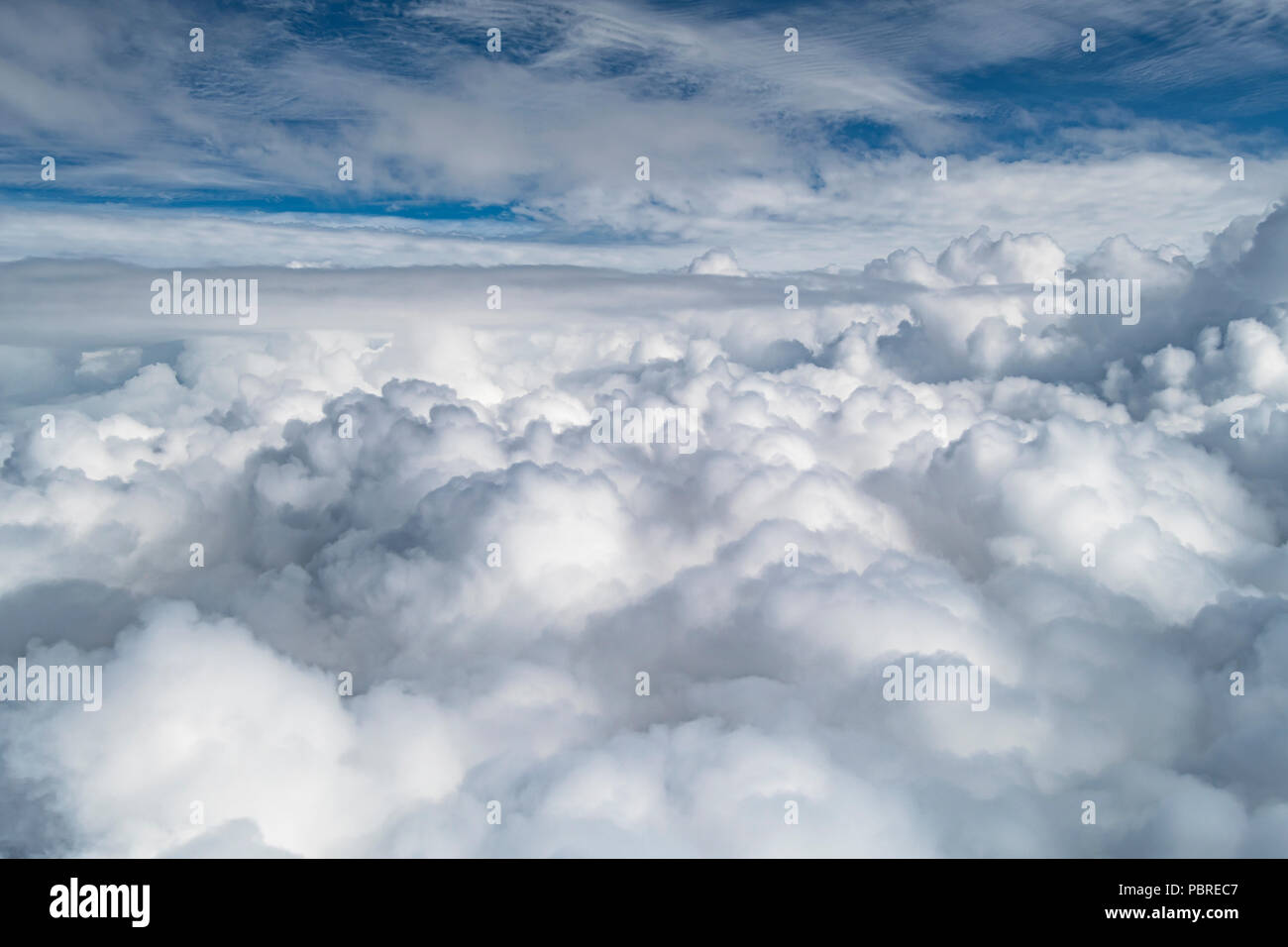 Cumulonimbus clouds, 30-40 thousand feet, Midwest USA, by Dominique Braud/Dembinsky Photo Assoc - Stock Image