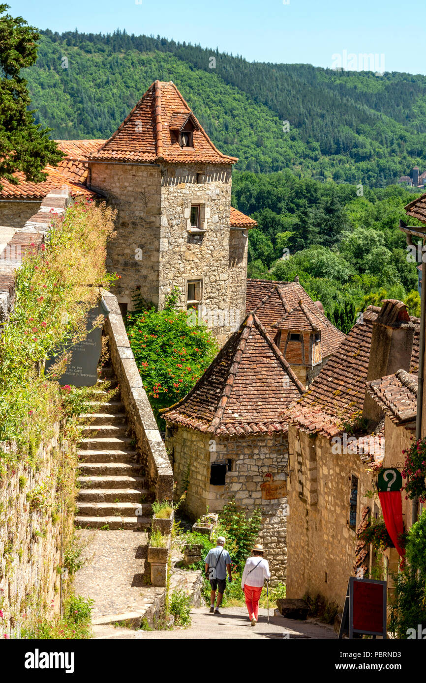 Saint-Cirq-Lapopie on  Santiago de Compostela pilgrimage road, labelled as a Les Plus Beaux Villages de France or The Most Beautiful Villages of Franc - Stock Image