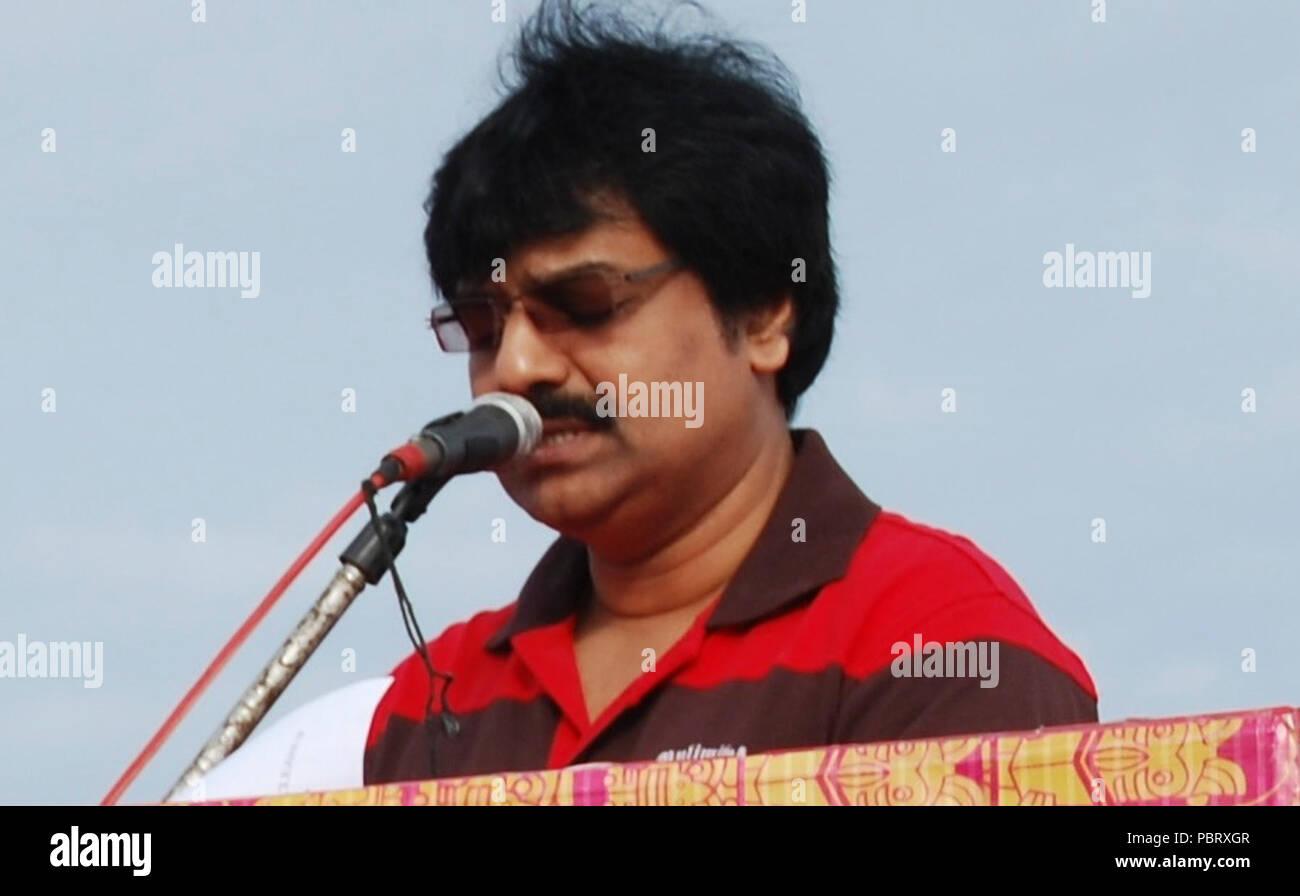 Actor Vivek at International Coastal Clean Up 2011. - Stock Image