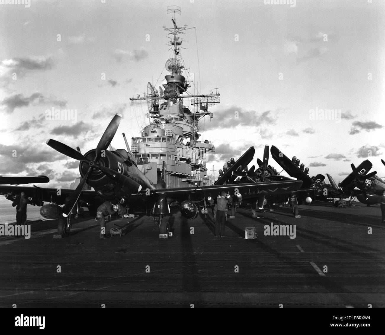 uss bon homme richard stock photos  u0026 uss bon homme richard