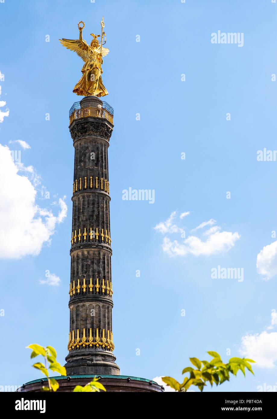 Statue of Victoria, on the Victory Column or Siegessaule, Tiergarten Park, Boulevard Strasse 17 Juni, Berlin - Stock Image