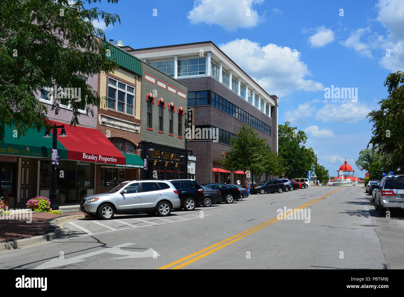 Looking down the Prairie Ave. business district with iconic transfer house at the far end in Decatur Illinois. - Stock Image