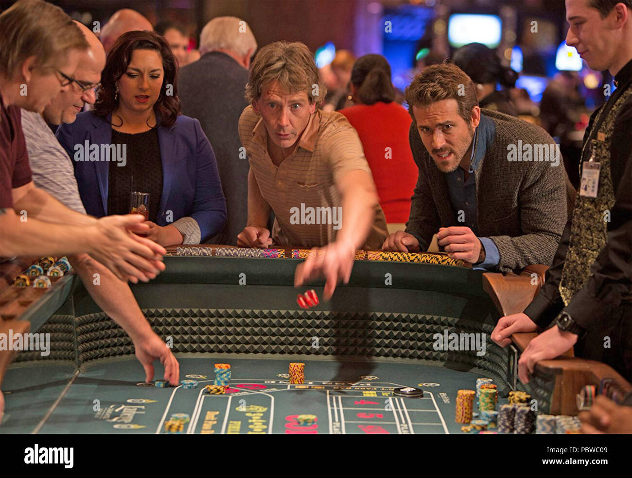 MISSISSIPPI GRIND 2015 Sycamore Pictures film with Ben Mendelsohn at left and Ryan Reynolds - Stock Image
