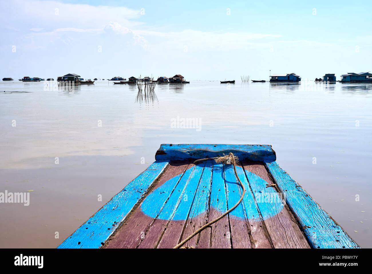 Floating homes on Tonle Sap lake in Cambodia - Stock Image