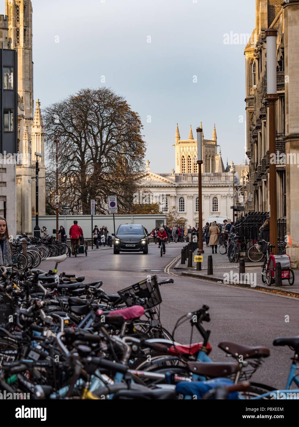 Views along Trumpington Street towards kings Parade, Cambridge, England, UK. - Stock Image
