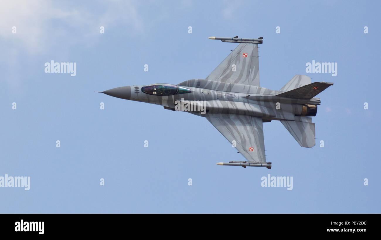 Polish Air Force F-16C Block 52+ Fighting Falcon performing at the 2018 Royal International Air Tattoo Stock Photo