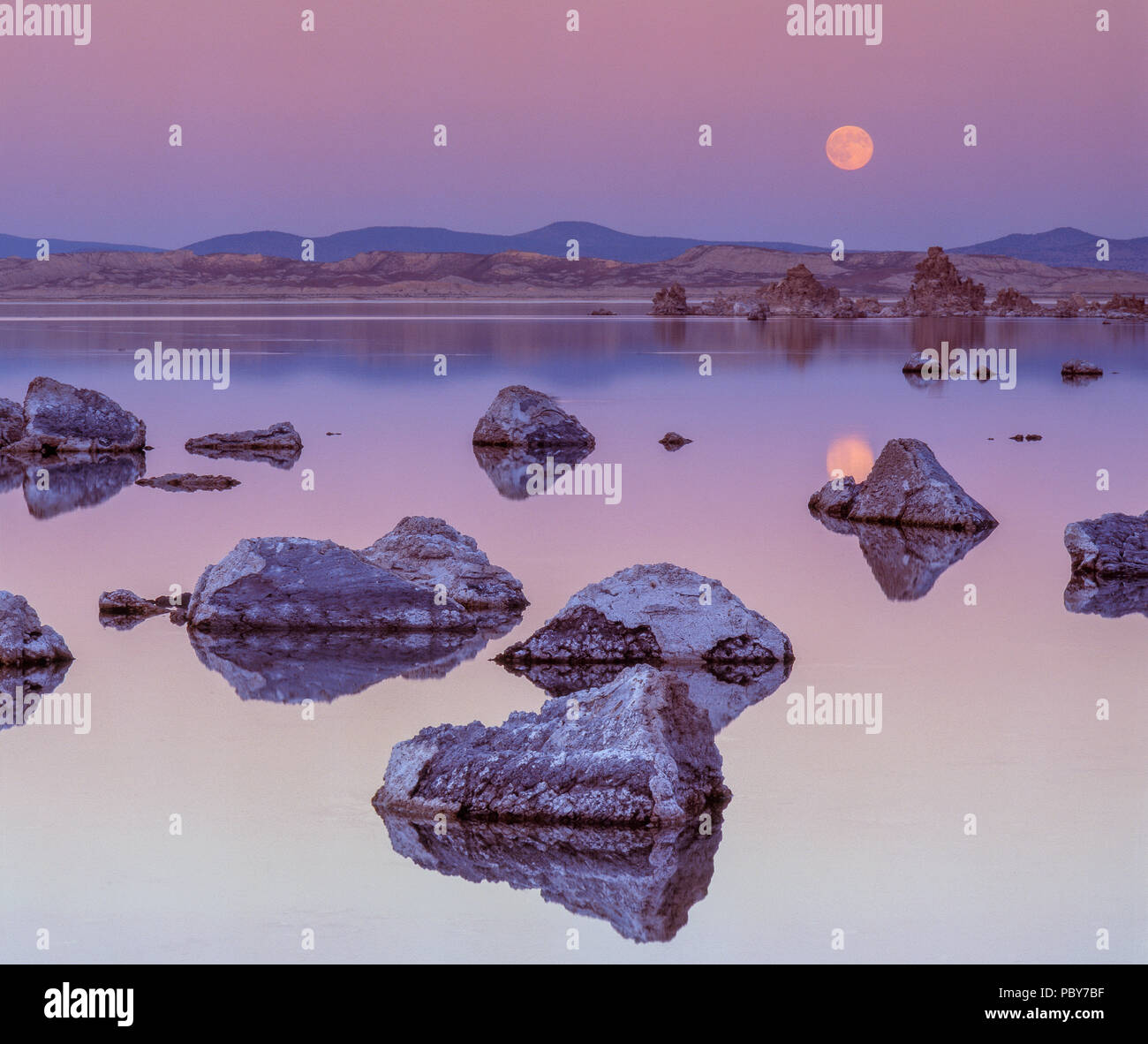 Moonrise, Mono Lake, Mono Basin National Forest Scenic Area, Inyo National Forest, California - Stock Image
