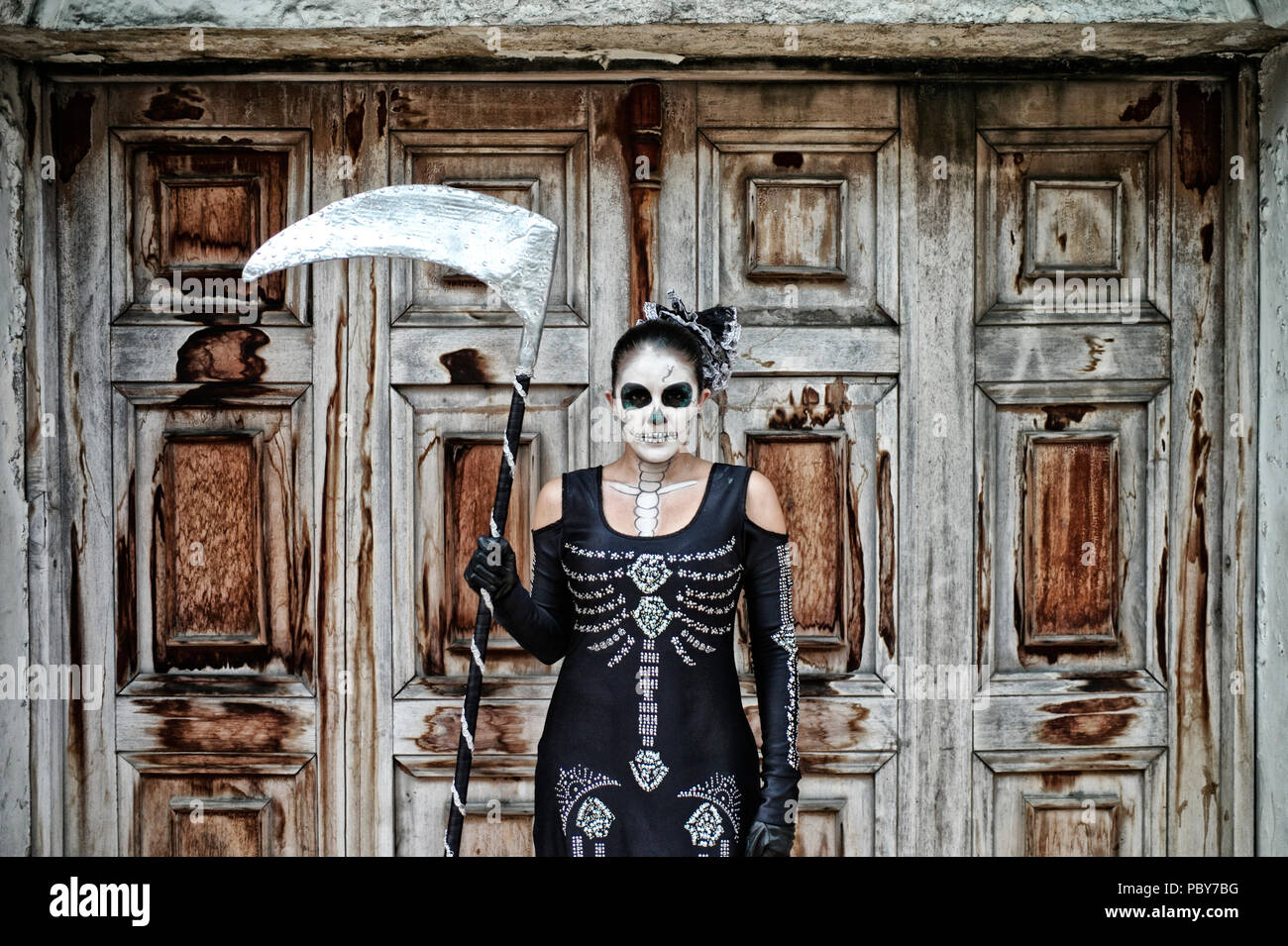Colombian woman representing death. The character was incorporated by Enrique Buenaventura in his experimental theatre play La Mojiganga and now a mus - Stock Image