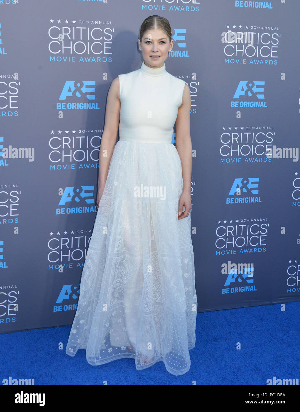 Rosamund Pike 122 at the 2015 Critics' Choice Movie Awards at the The Palladium theatre in Los Angeles. January 15, 2015Rosamund Pike 122  Event in Hollywood Life - California, Red Carpet Event, USA, Film Industry, Celebrities, Photography, Bestof, Arts Culture and Entertainment, Topix Celebrities fashion, Best of, Hollywood Life, Event in Hollywood Life - California, Red Carpet and backstage, movie celebrities, TV celebrities, Music celebrities, Topix, Bestof, Arts Culture and Entertainment, vertical, one person, Photography,   Fashion, full length, 2014 inquiry tsuni@Gamma-USA.com , Credit T Stock Photo