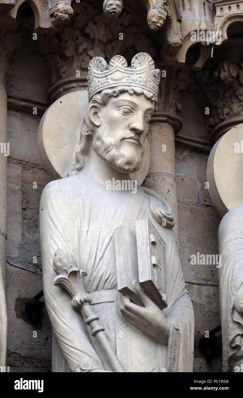 King Solomon, Portal of St. Anne, Notre Dame Cathedral, Paris, UNESCO World Heritage Site in Paris, France Stock Photo