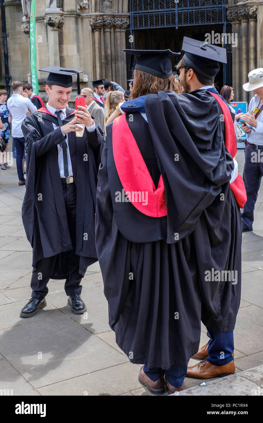 2019 year for women- Graduation uni bristol what to wear