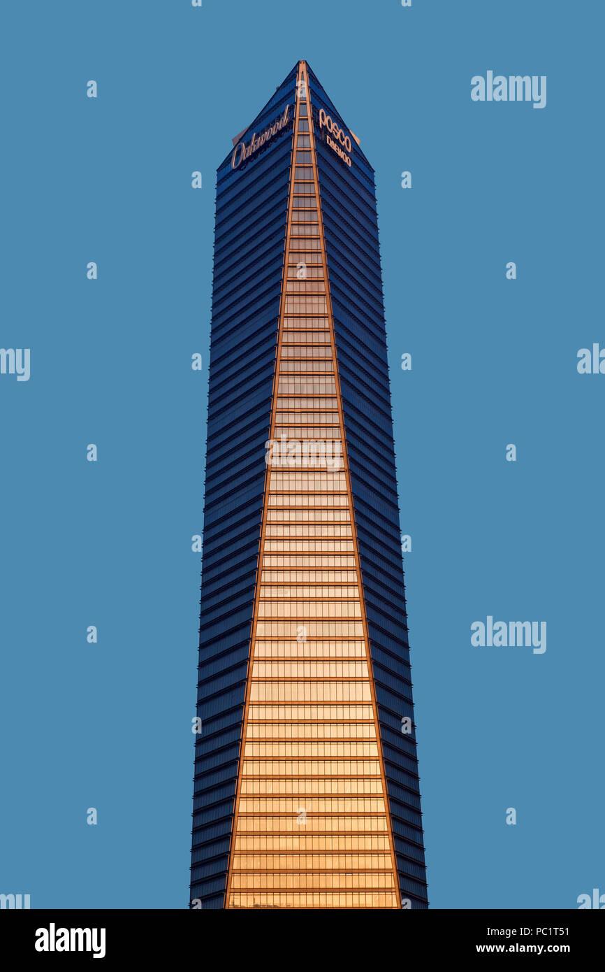 Northeast Asia Trade Tower, Songdo IFEZ, Incheon, Korea - Stock Image