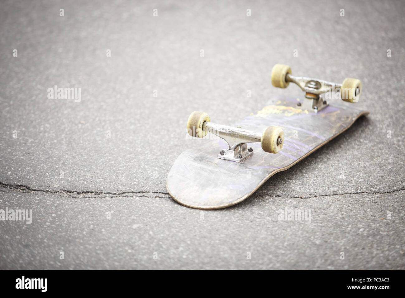 ecaaaef899 Old used skate board deck with signs of wear Stock Photo: 213974323 ...