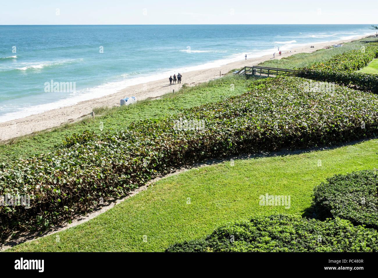 Florida Jensen Beach Hutchinson Island Starwood Vistana Beach Club Atlantic Ocean surf sand water - Stock Image