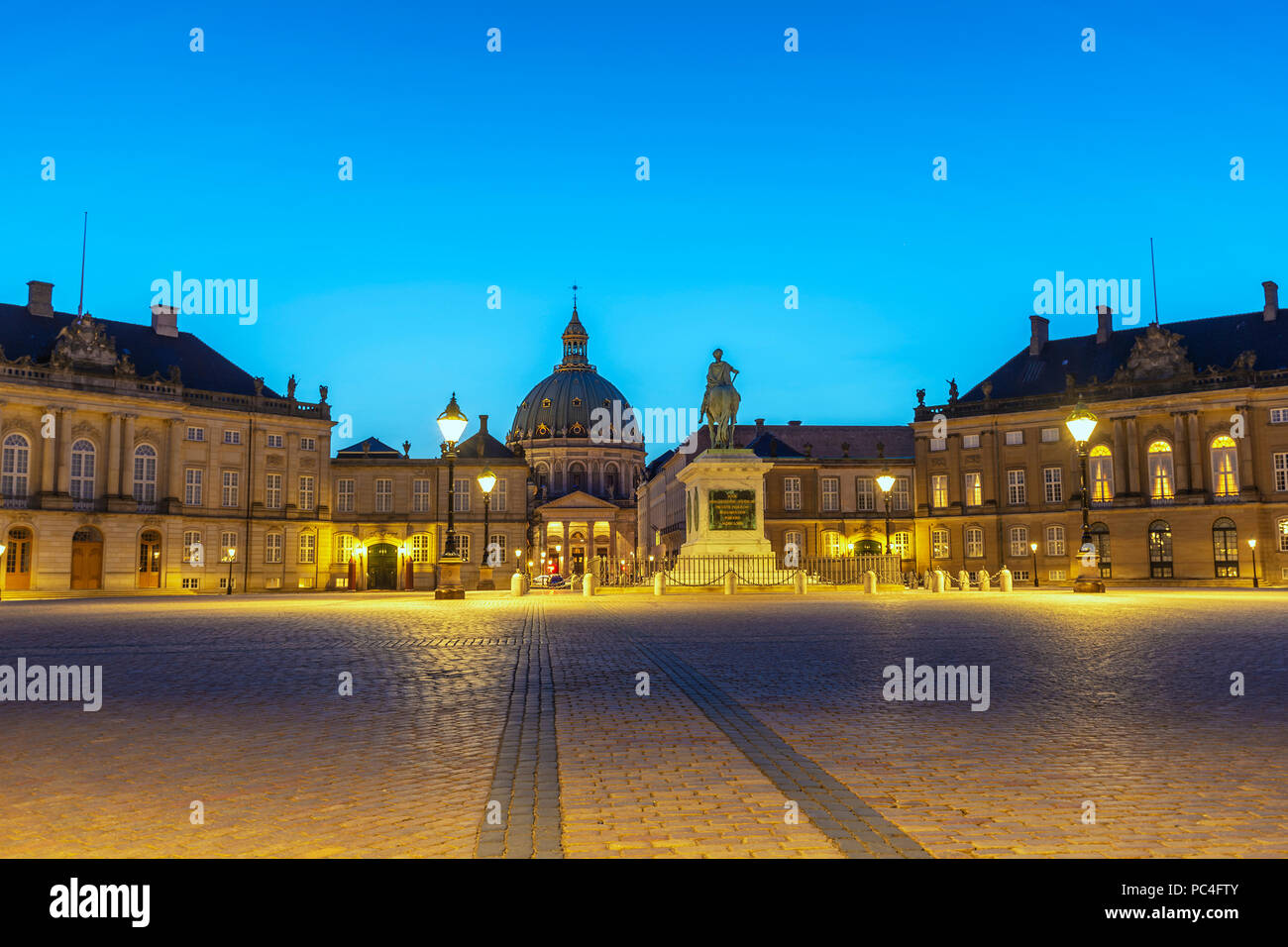 Copenhagen night city skyline at Amalienborg Palace, Copenhagen Denmark - Stock Image