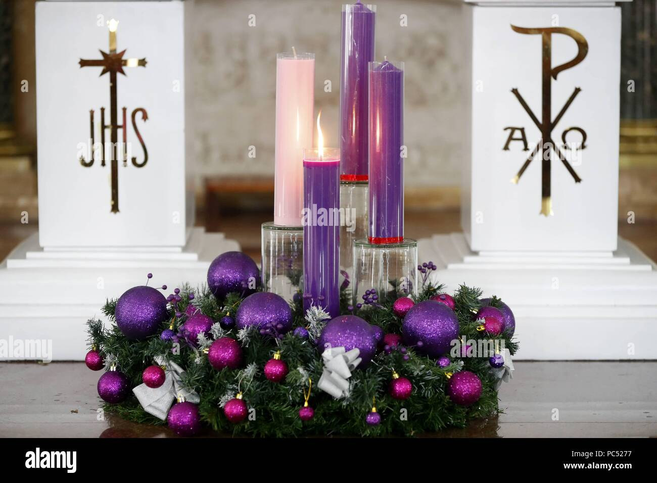 Church Of The Sacred Heart Of Jesus Nha Tho Tan Dinh Advent Wreath With Candles Ho Chi Minh City Vietnam Usage Worldwide Stock Photo Alamy