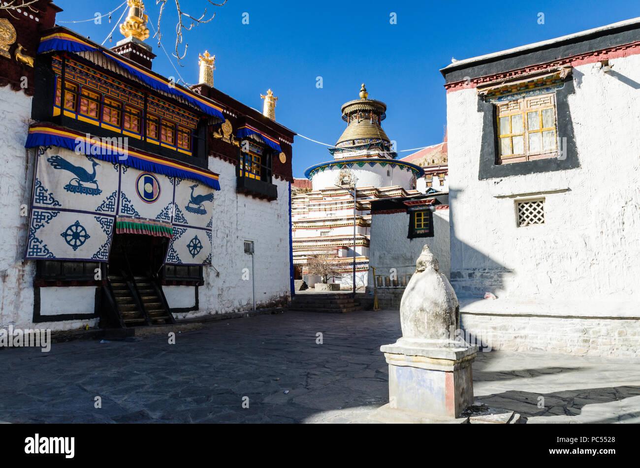 Gyantse Kumbum in Pelkor Chode or Palcho monastery, Gyantse, Tibet - Stock Image