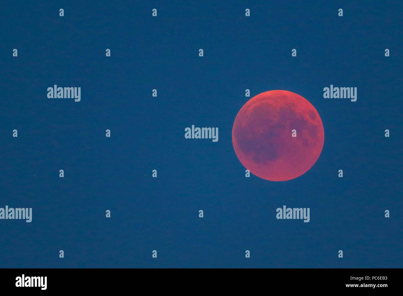firo, Astronomy 1, 27.07.2018 celestial body, moon, bloodmoon, red, reddish moon, lunar eclipse, | usage worldwide - Stock Image
