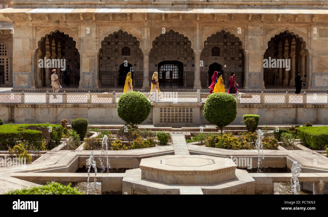 Gardens and fountains inside Amber Palace / Amer Fort Stock Photo ...
