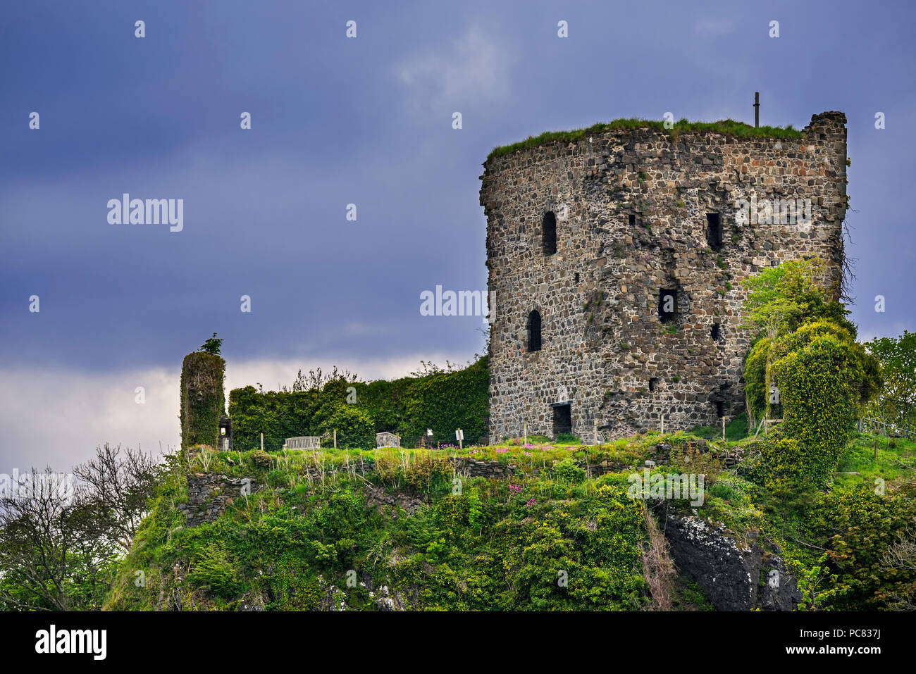15th century Dunollie Castle ruins near Oban, Argyll and Bute, Scotland, UK - Stock Image