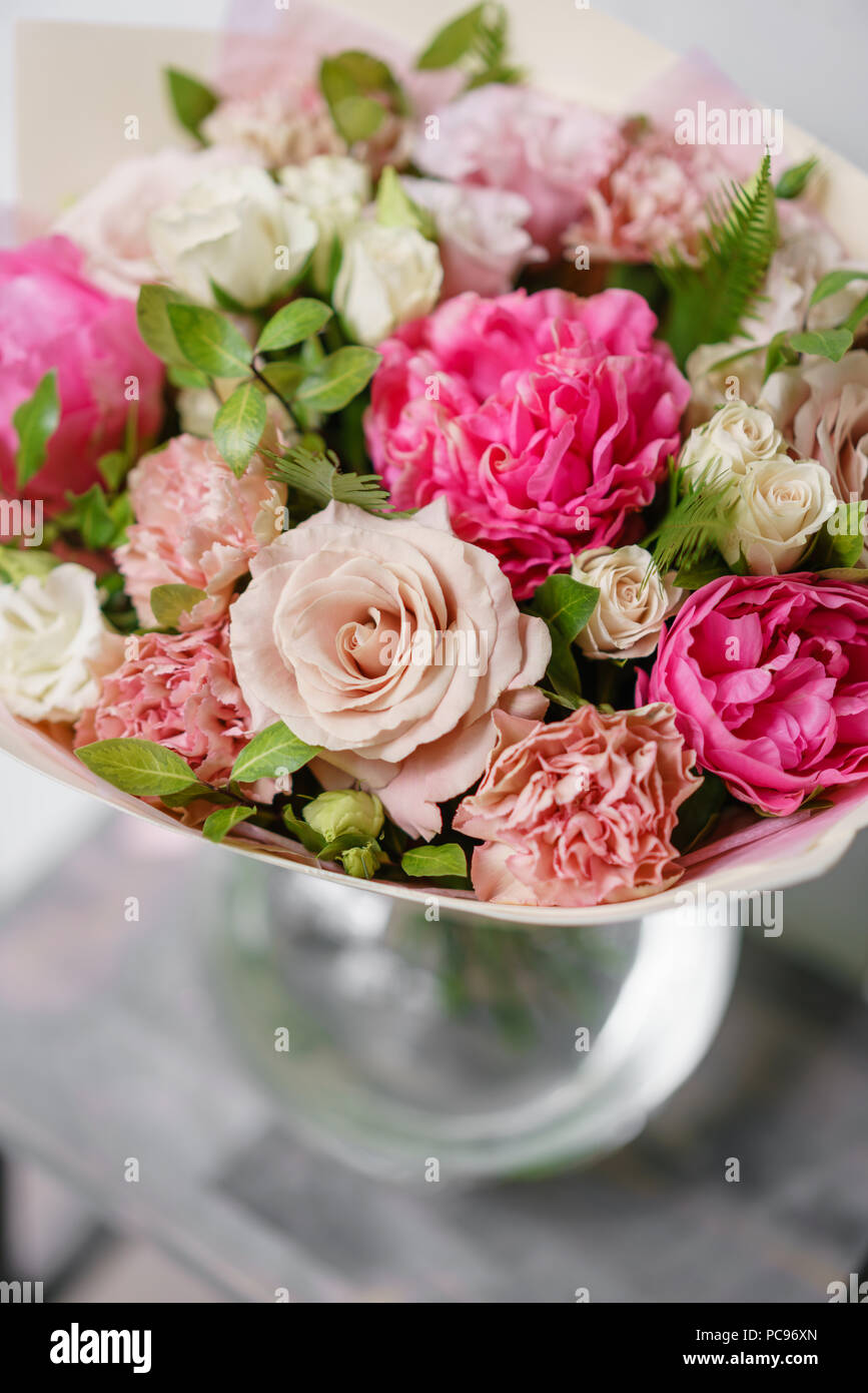 Peonies For Sale Stock Photos & Peonies For Sale Stock Images - Alamy