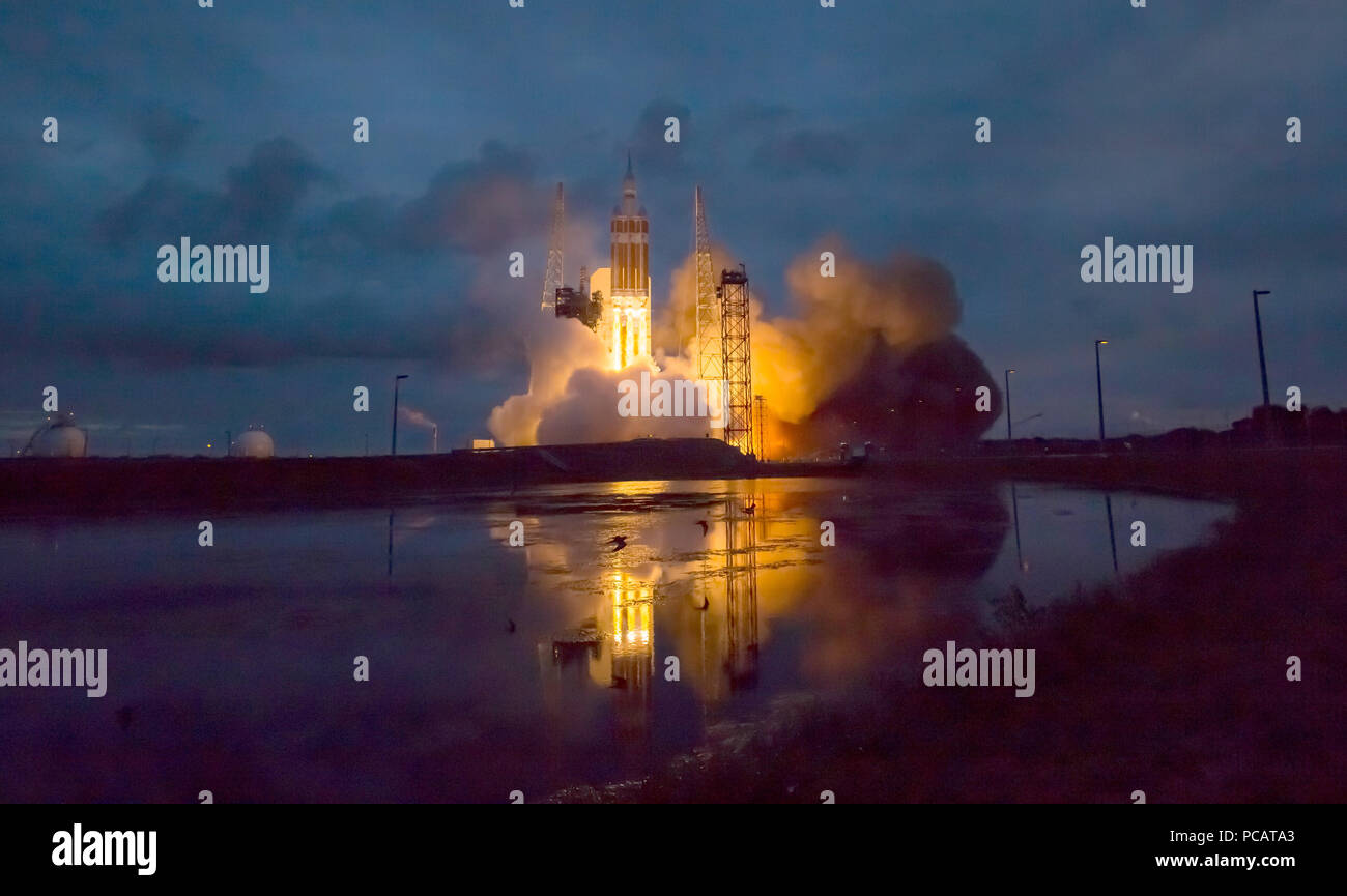 The United Launch Alliance Delta IV Heavy rocket with NASA's Orion spacecraft mounted atop, lifts off from Cape Canaveral Air Force Station's Space Launch Complex 37 at at 7:05 a.m. EST, Friday, Dec. 5, 2014, in Florida. Photo credit: (NASA/Bill Ingalls) - Stock Image
