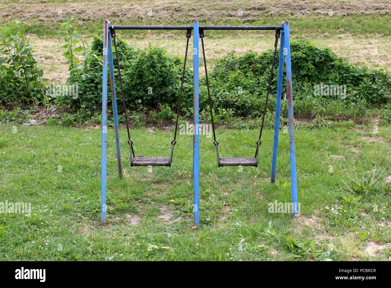 Outdoor Public Playground Equipment Metal Swing With Partially