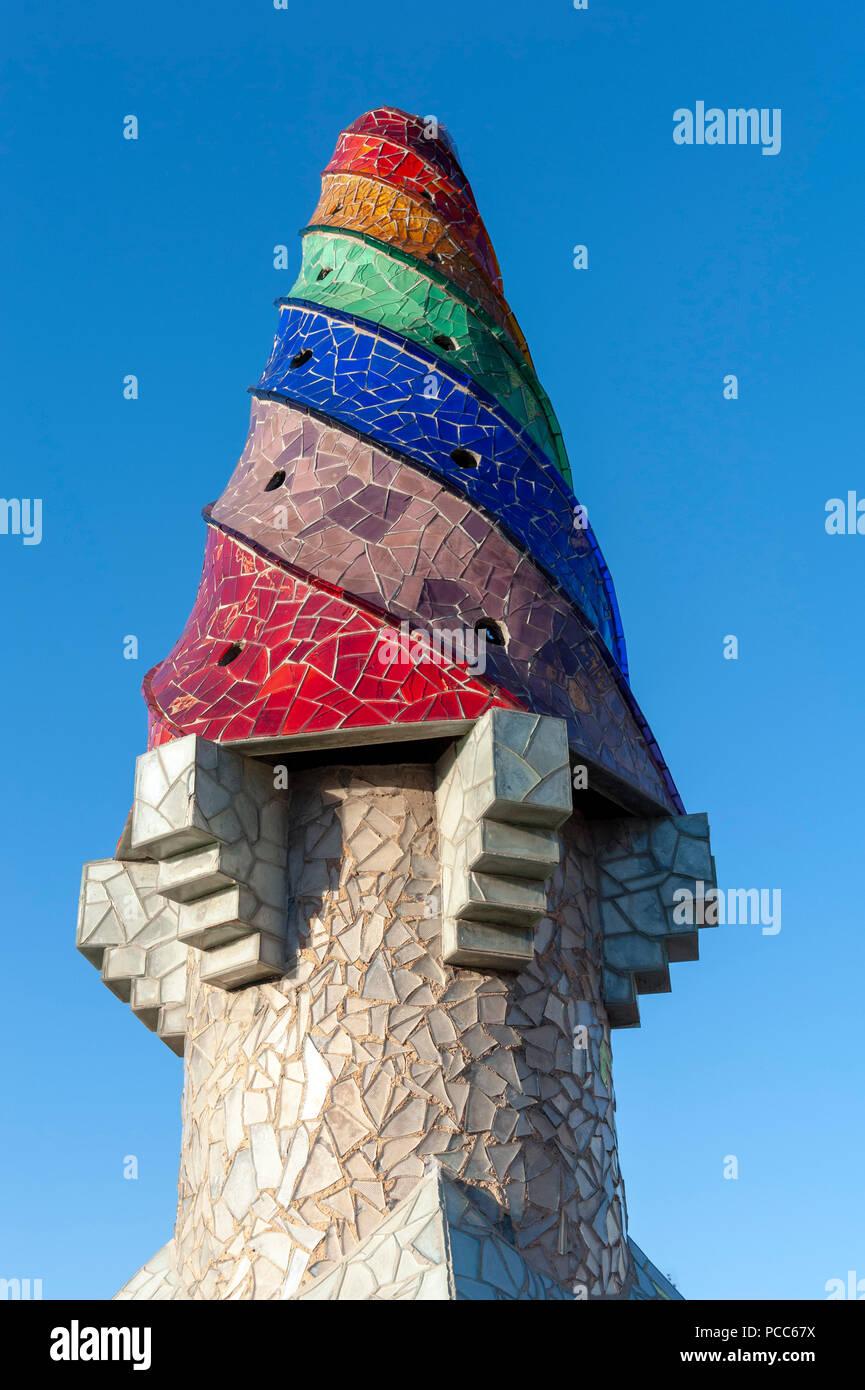 Barcelona, Palau Güell. Dachlandschaft. Gaudi, Palau Güell, chimney, Barcelona, Catalonia, Spain |Gaudi, Palau Güeell, Kamin, Barcelona, Katalonien, S - Stock Image