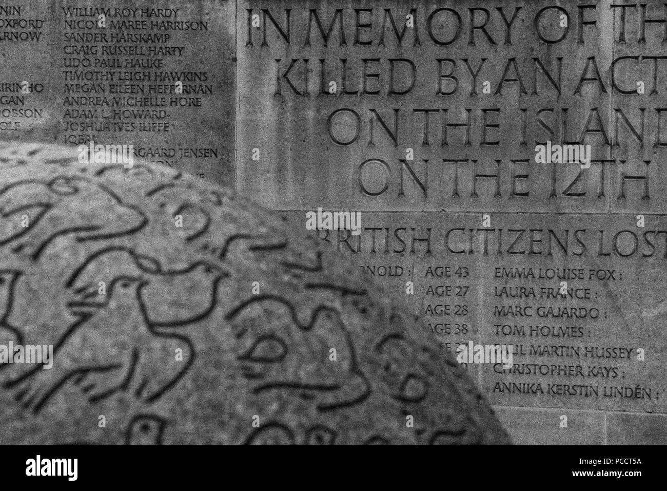 Circular stone memorial to the British victims of 2002 Kuta, Bali Bombings in London. Designed by Gary Breeze - Stock Image