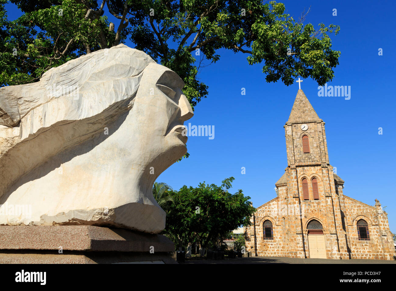 Sculpture by Francisco Martinez and Cathedral, Puntarenas City, Costa Rica, Central America - Stock Image